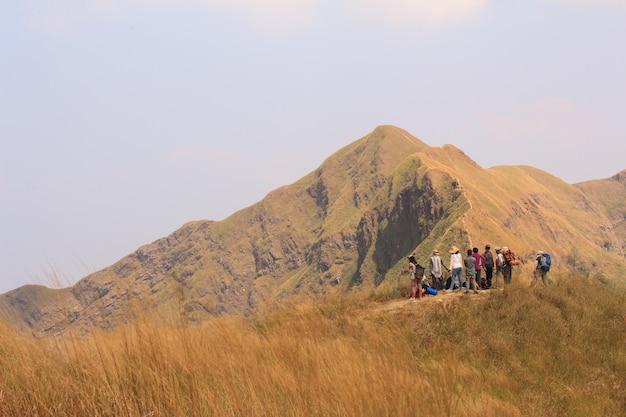 Trek hiking destination erlebnis lifestyle-konzept
