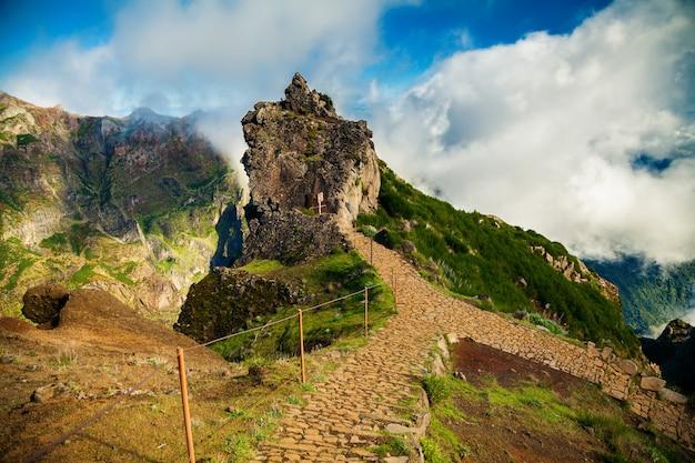 Trekking von pico do arieiro in richtung pico ruivo