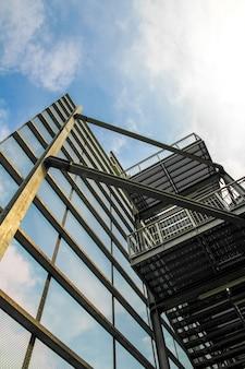Treppe eines industriegebäudes