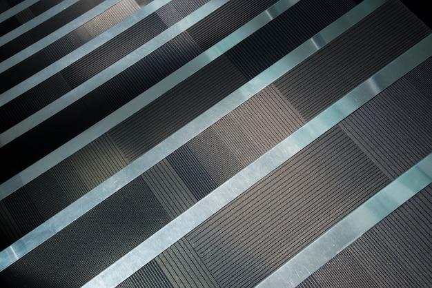 Treppe mit läuferteppich