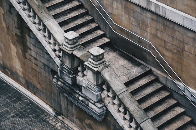 Treppenarchitektur in bilbao-stadt, spanien.