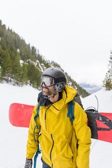 Trittbrettfahrer genießen den schnee