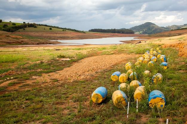 Trockenboden im brasilianischen cantareira-damm