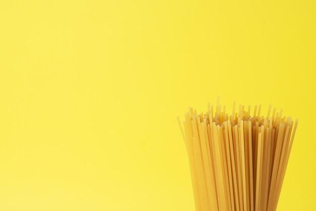 Trockene nudelspaghetti. speicherplatz kopieren.