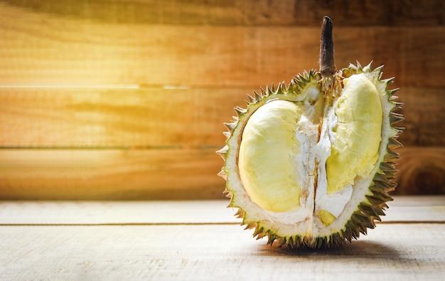 Tropische frucht der frischen durianschale