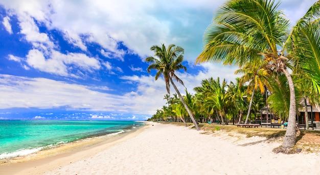 Tropische strandlandschaft - wunderschöne insel mauritius