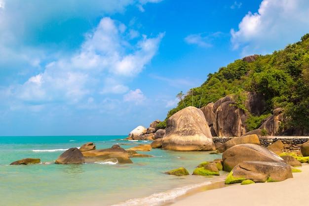 Tropischer silberstrand auf der insel samui, thailand