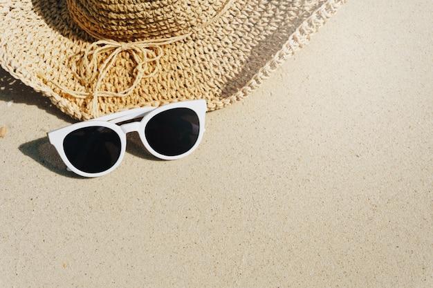 Tropischer strand im urlaub, sommerkonzept