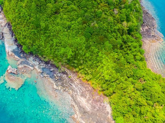 Tropischer strand und meer der schönen natur