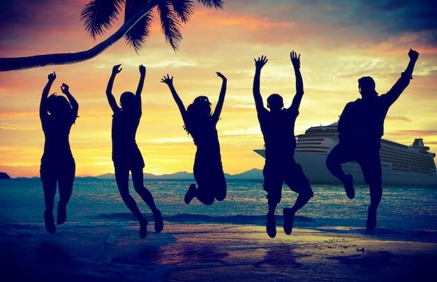 Tropisches insel-kreuzfahrt-feiertags-tourismus-konzept