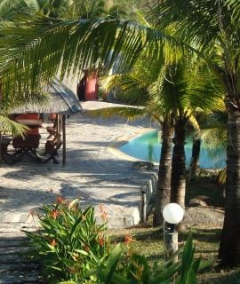 Tropisches schwimmbad