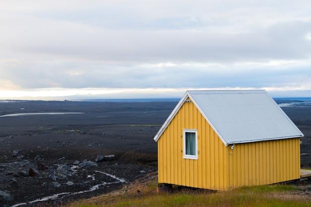Trostlose landschaft von kverfjoll-gebiet, island-panorama. standort sigurdarskali