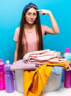 Tty haushälterin frau wäsche waschen