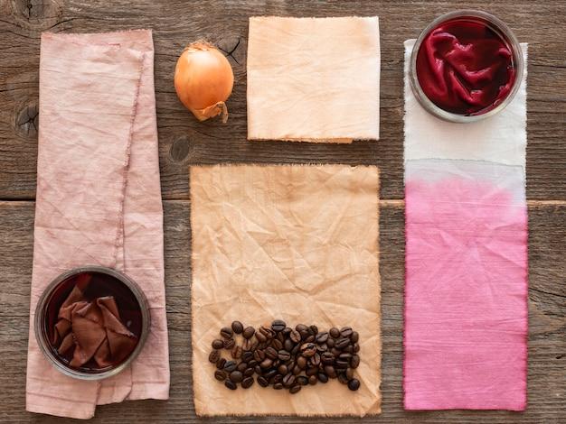 Tücher mit unterschiedlicher natürlicher pigmentzusammensetzung