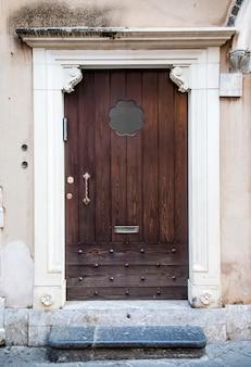 Tür aus sizilien