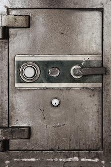 Tür des alten sicherheitssafes