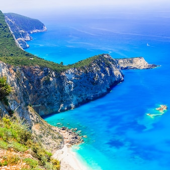 Türkis schöne küste der insel lefkada, griechenland