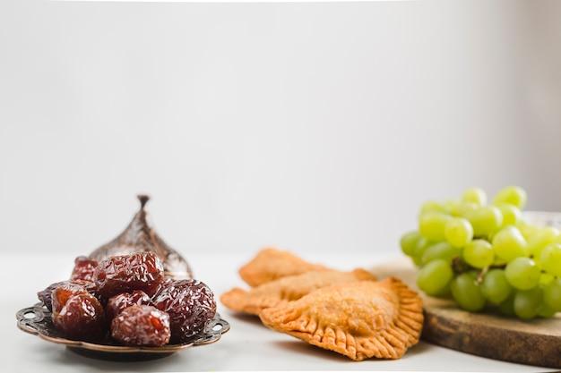 Türkische süßigkeiten und pasteten