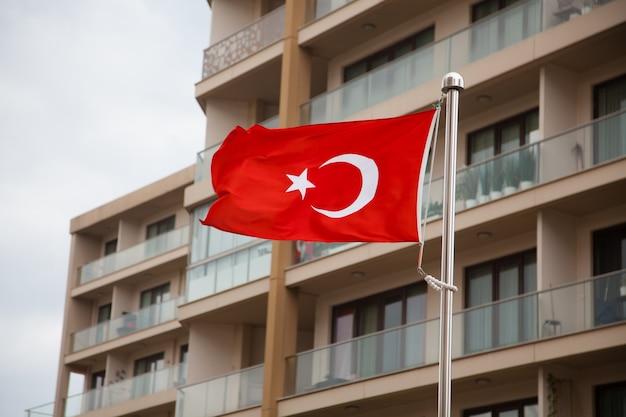Türkisches flaggenkonzept.