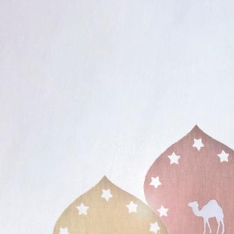Türme und kamel mit sternen