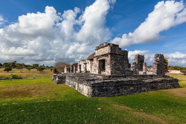 Tulum maya ruiniert landschaft. mexiko quintana roo