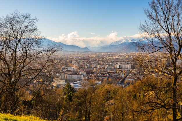 Turin-stadtbild von oben genanntem bei sonnenuntergang