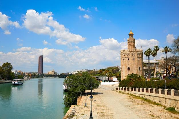 Turm von sevilla torre del oro in sevilla andalusien
