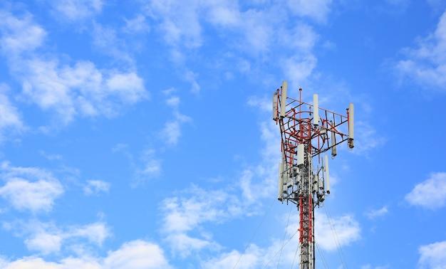Turmmasten und drahtlose telefonantennen