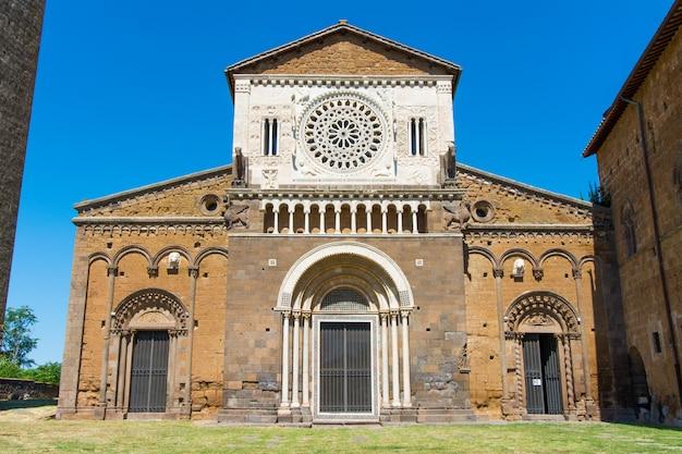 Tuscania, viterbo, italien: äußeres von san pietro church
