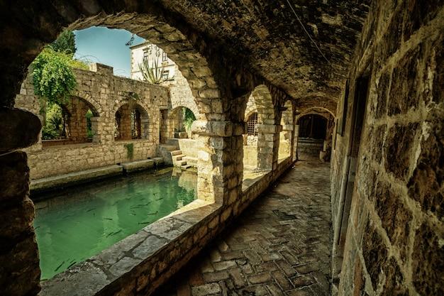Tvrdalj schloss in stari grad, hvar, kroatien