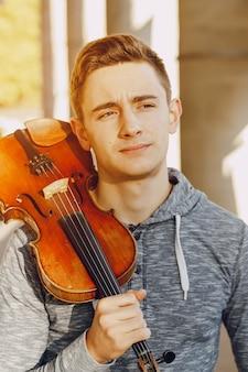 Typ mit violon