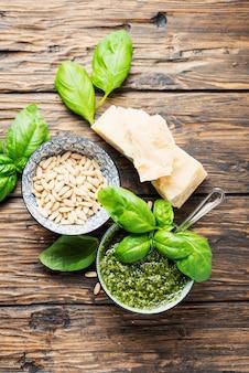 Typisch italienisches pesto