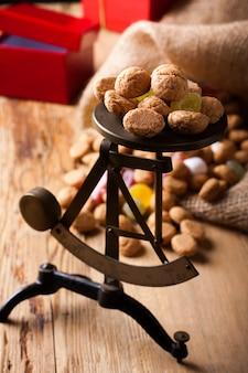 Typische holländische süßigkeiten für sinterklaas