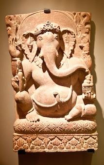 Typische ikonische statue der induismus-religion, ganesh (auch ganesha genannt)