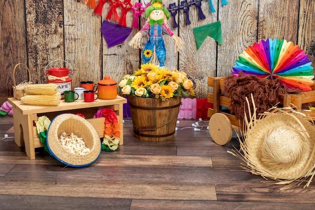 Typische tischarrangements für das brasilianische juni-festival