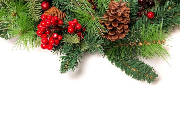 Typische weihnachtsdekorative girlande