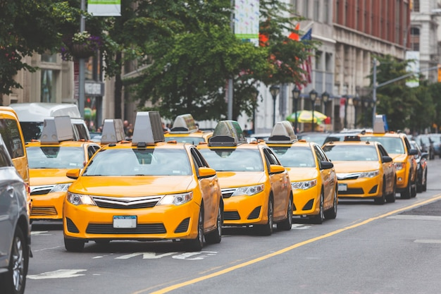 Typisches gelbes taxi in new york city