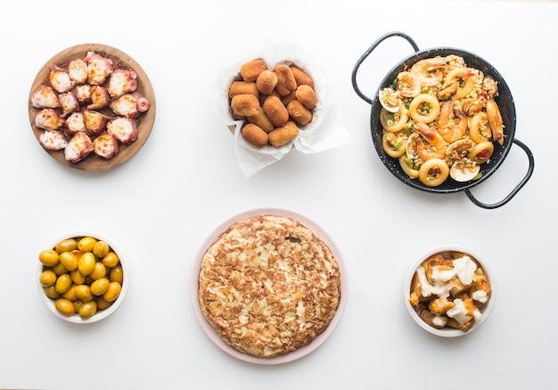 Typisches spanisches essen isoliert
