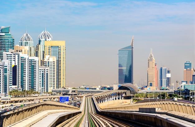 U-bahnlinie in jumeirah bezirk von dubai, vereinigte arabische emirate