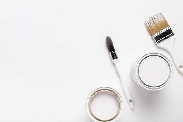 Über ansichtsrahmen mit malwerkzeugen