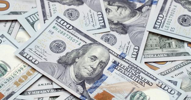 Überfluss an amerikanischen hundert dollar