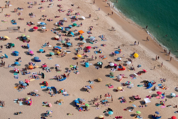 Überfüllter strand
