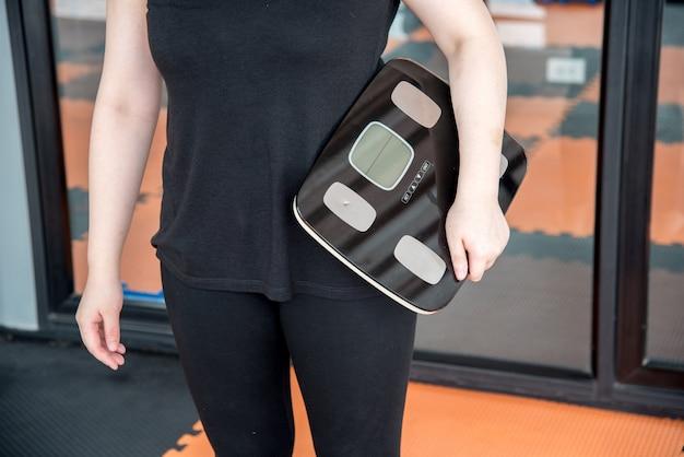 Übergewicht, gesundheit, gewichtsreduktion, fitness, wellness-konzept.