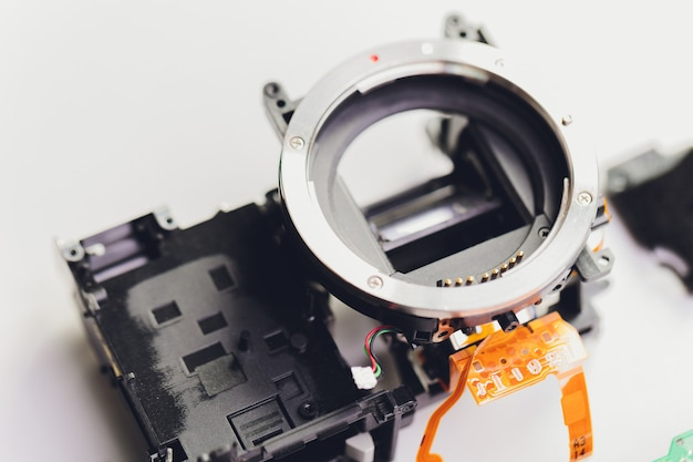 Überprüfen sie die optik und führen sie die wartung und reinigung der defekten kamera im servicecenter durch