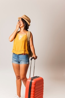 Überraschte touristenfrau