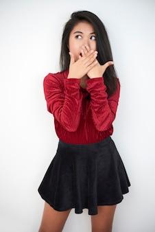 Überraschtes asiatisches mädchenporträt