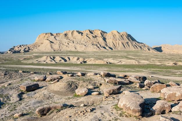 Überreste alter felsen in gobustan, aserbaidschan