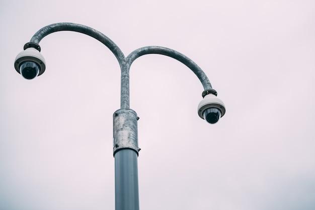 Überwachungskamera auf der straße