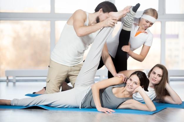 Übung für hüften mit partner
