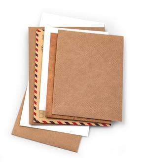 Umschlag isoliert auf weißem hintergrund